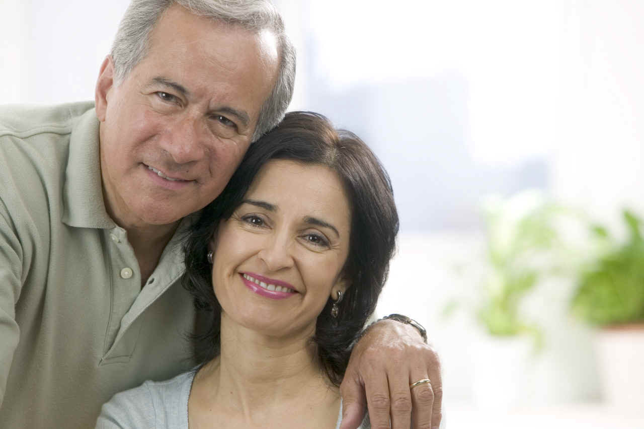 Middle-aged_couple