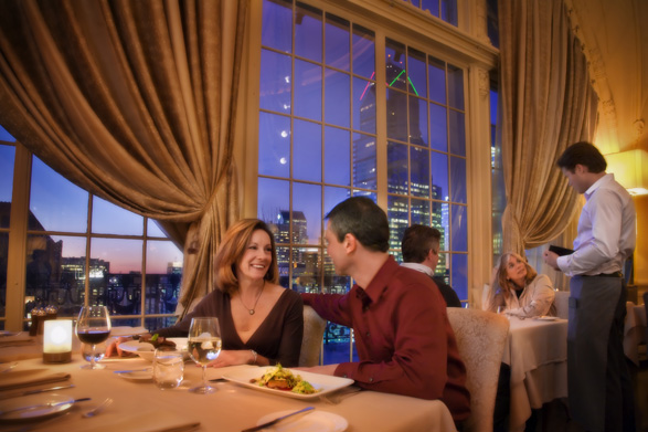 XIX-Restaurant-couple-philadelphia-romance-587